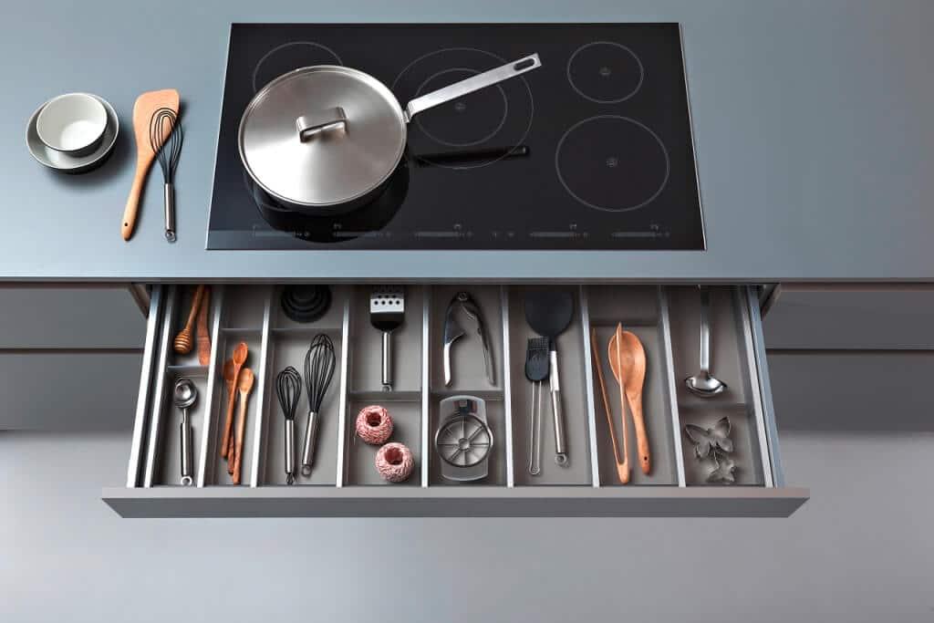 Ведь кухня Synthia-c - Ceres-c – настоящий шедевр современного дизайна и стиля.