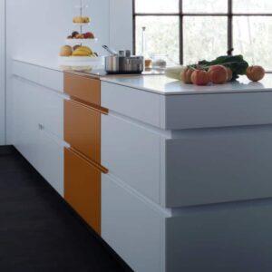 Кухни Leicht Tocco-Tocco-c - Classic-fs сочетают в себе современный дизайн, яркое оформление и максимальную функциональность и вместительность.