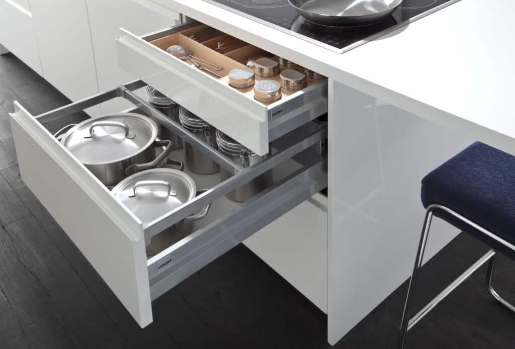 Кухни Leicht ORLANDO | PUR-FG – прямолинейность, лаконичность, современность.